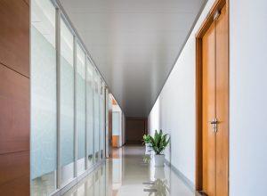 Controsoffitti architetturali | Atena | Brett Corridor SC